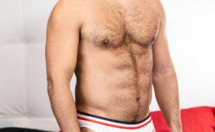 Foto de barbudos fazendo sexo na casa do amigo gay